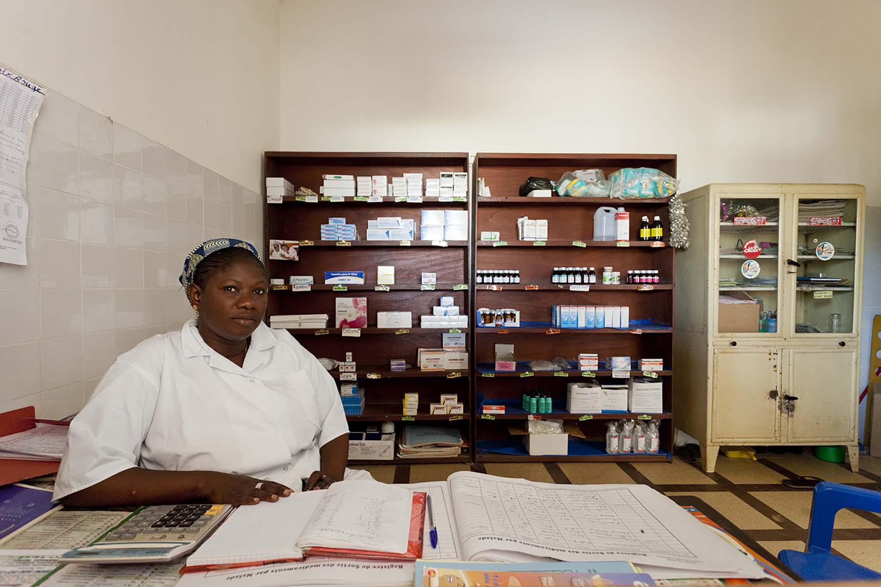 解决了供应链的问题后,现在塞内加尔的女性即使是第一次来诊所寻求避孕服务也能及时获得。(塞内加尔达喀尔)